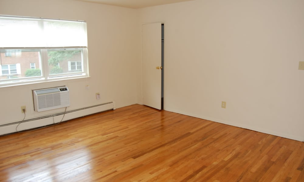 Apartments with hardwood floors in South River, NJ