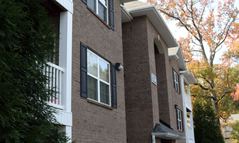 Spartan Crossing apartments exterior view in Greensboro