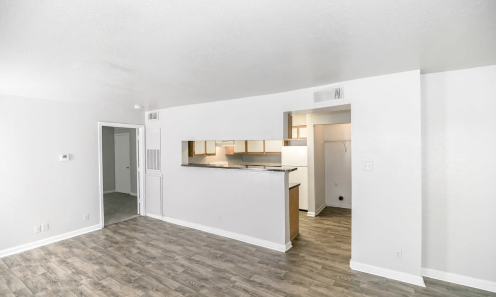 89 East offers a renovated living room in Tulsa, Oklahoma