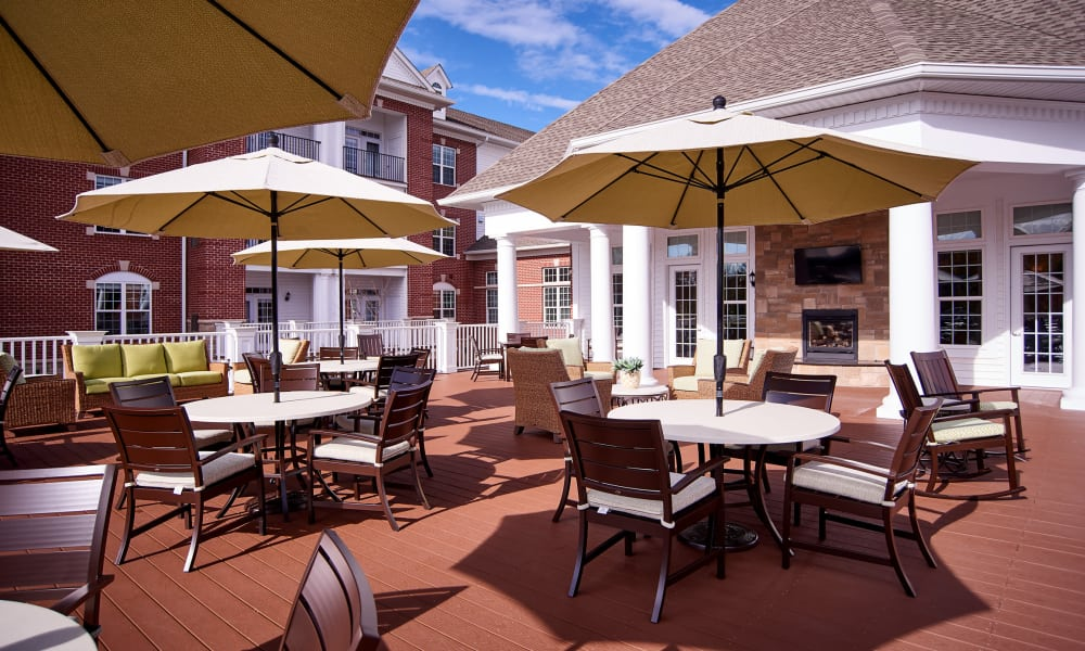 Patio at Waltonwood at Ashburn in Ashburn, VA