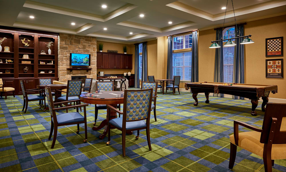 Common Room at Waltonwood at Ashburn in Ashburn, VA