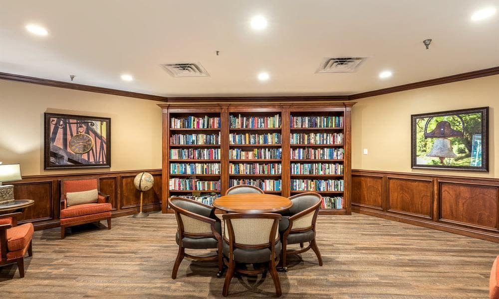 Wyndham Lakes offers a library in Jacksonville, FL