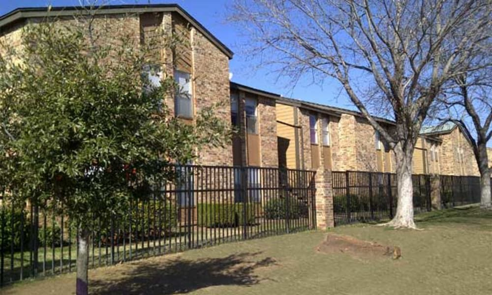 Exterior view of Ladera Palms in Fort Worth, TX
