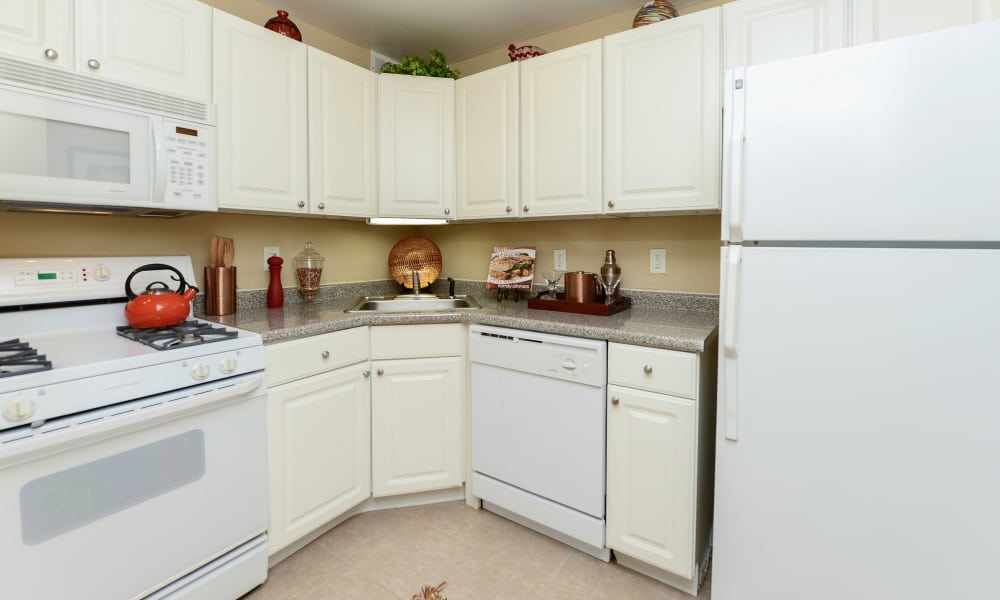 Beautiful kitchen at Parkview at Collingswood Apartment Homes in Collingswood, New Jersey