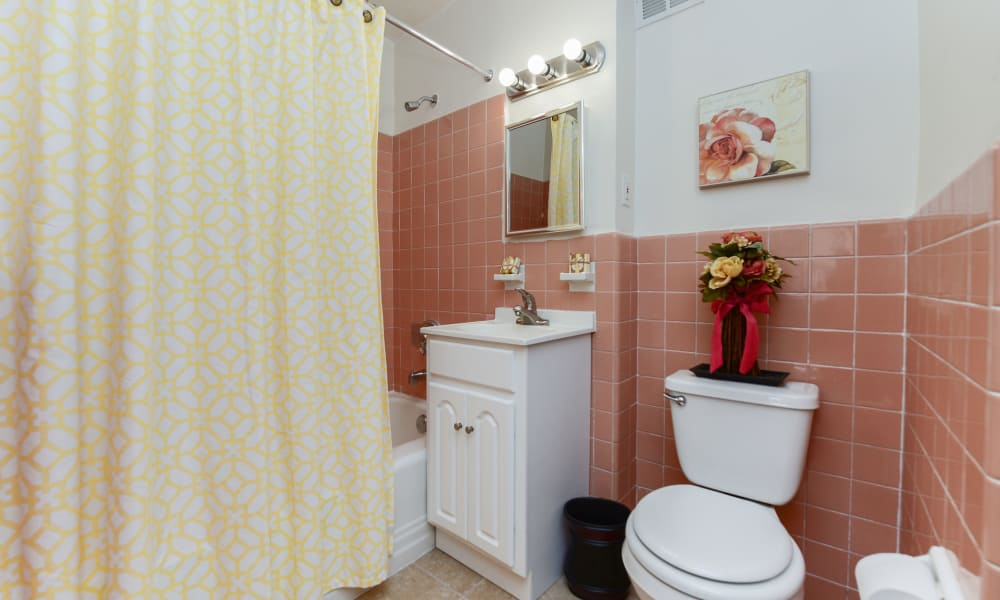 Bathroom at Parkview at Collingswood Apartment Homes in Collingswood, New Jersey