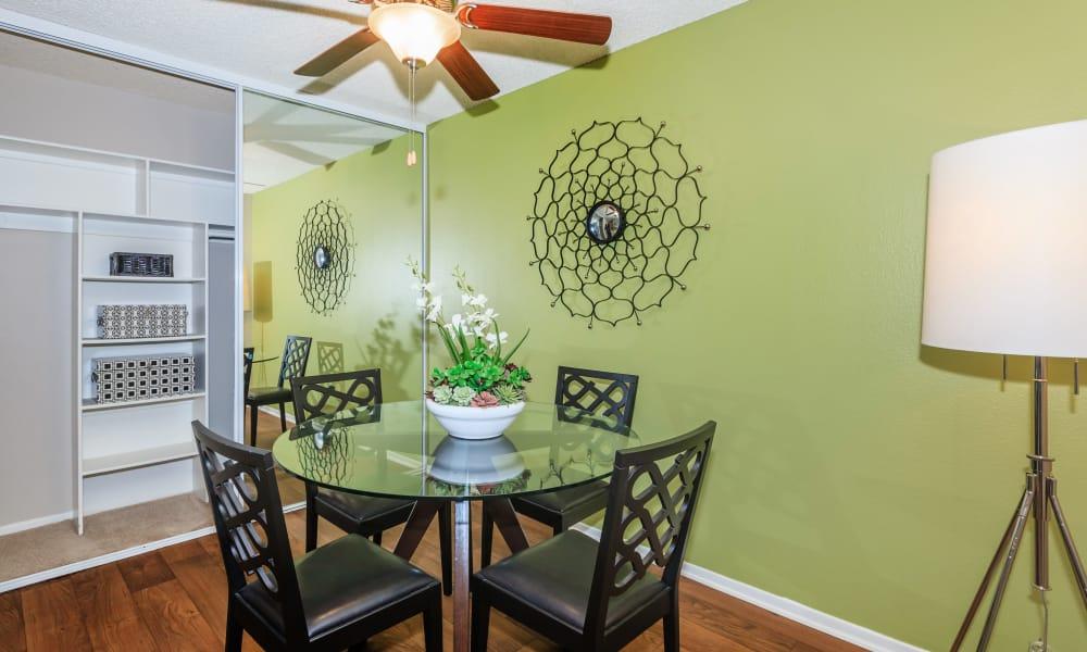 Beautiful dining room at Parcwood Apartments