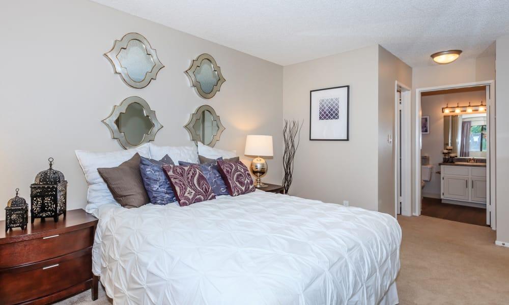 Bedroom at Parcwood Apartments