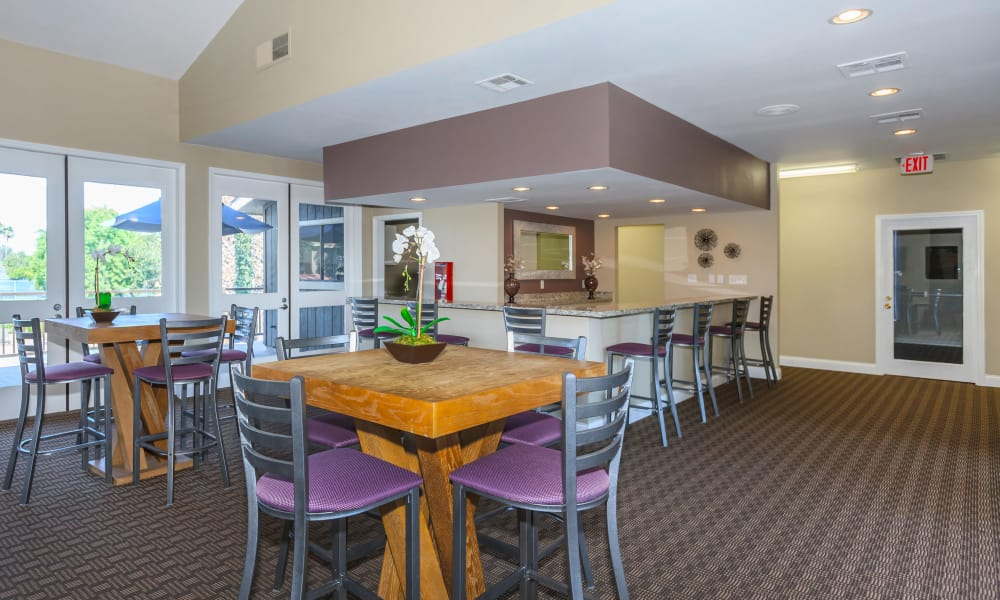 Dining area at Parcwood Apartments