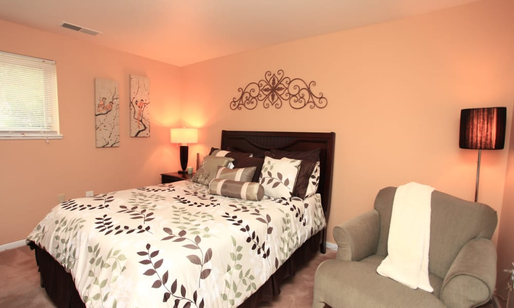 Gwynn Oaks Landing Apartments & Townhomes offers a beautiful bedroom in Baltimore, Maryland