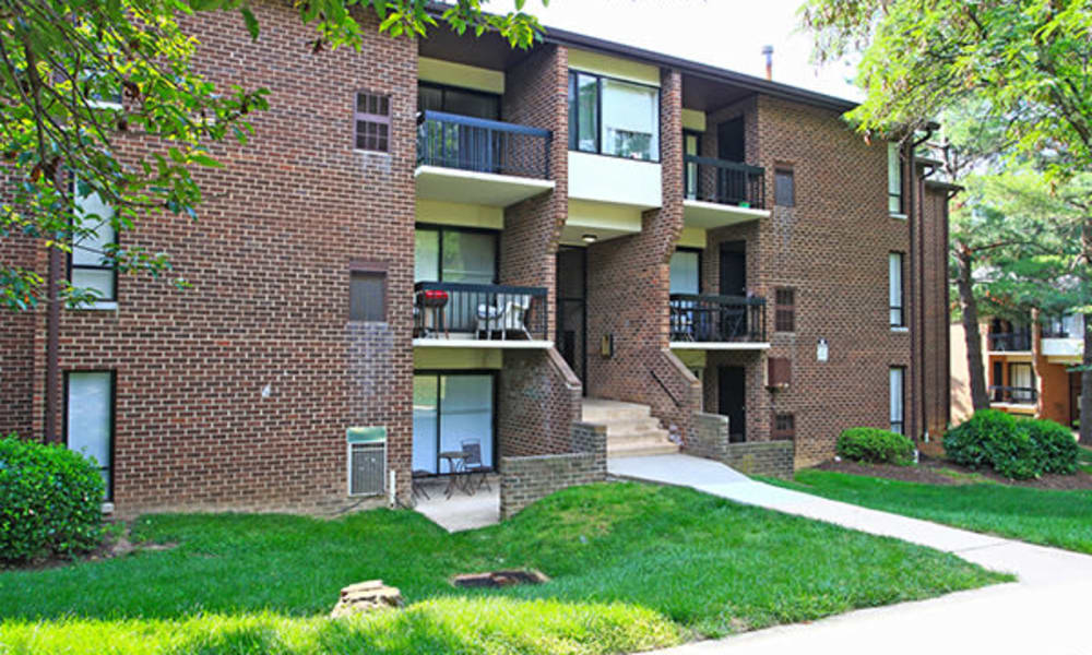 Exterior of Carriage Hill Apartment Homes