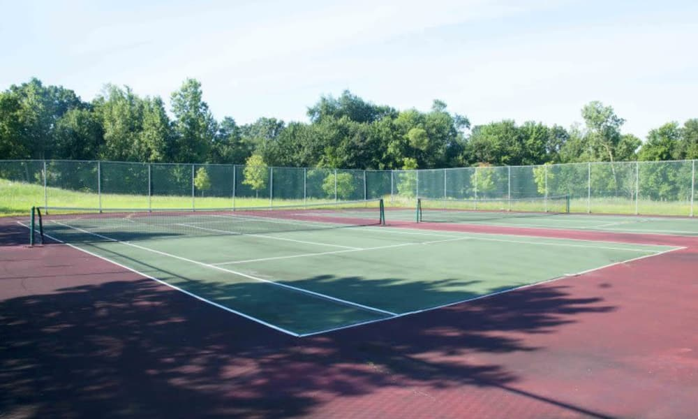 Tennis court at Adams Creek