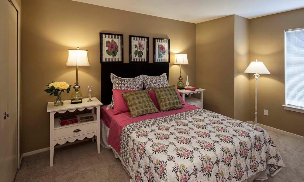 Amberly apartments in West Bloomfield showcase a cozy bedroom