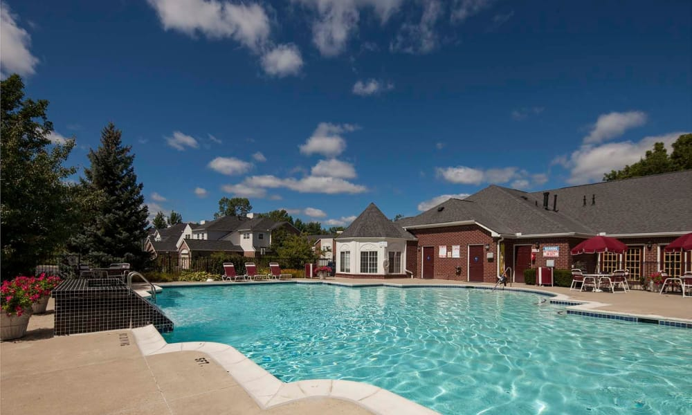 Briarcliff Village poolside
