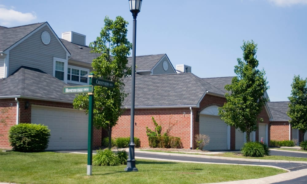 Garages available with Briarcliff Village apartments in Commerce Township, Michigan