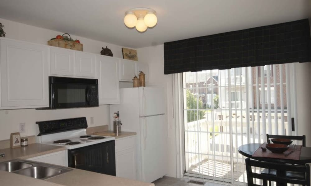Enjoy a modern kitchen at Brownstones apartments
