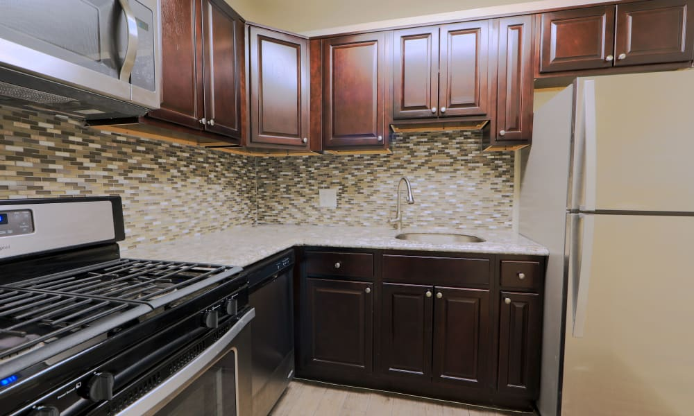 The Preserve at Owings Crossing Apartment Homes offers a kitchen in Reisterstown, MD