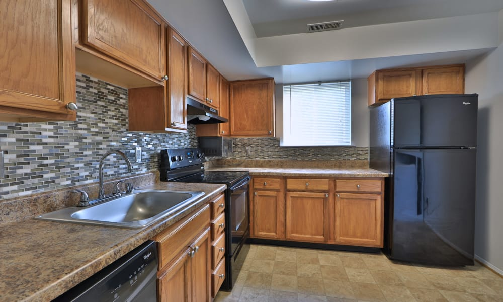 Willowood Apartment Homes offers a fully equipped kitchen in Westminster, MD