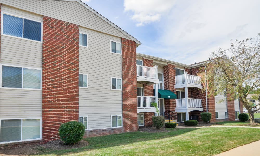 Exterior view at Willowood Apartment Homes in Westminster, MD