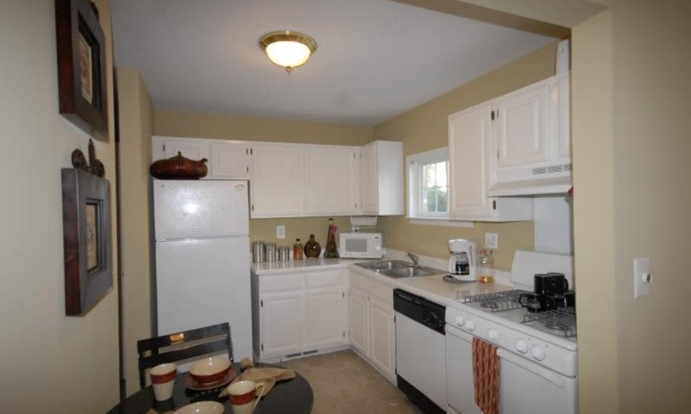 Spacious kitchen at Shorebrooke in Novi, MI