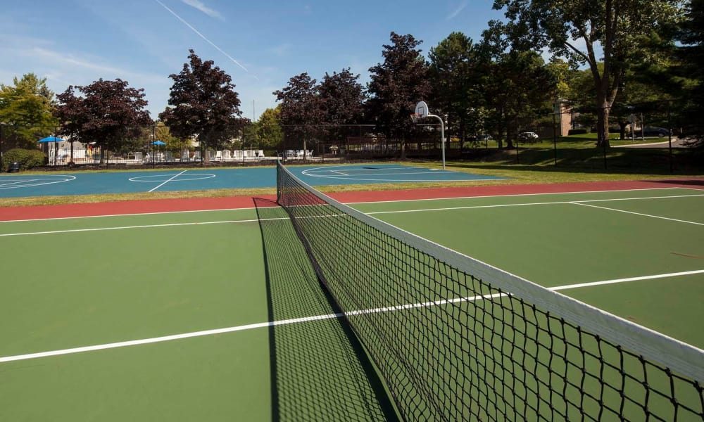 Tennis court for tenants at Northridge