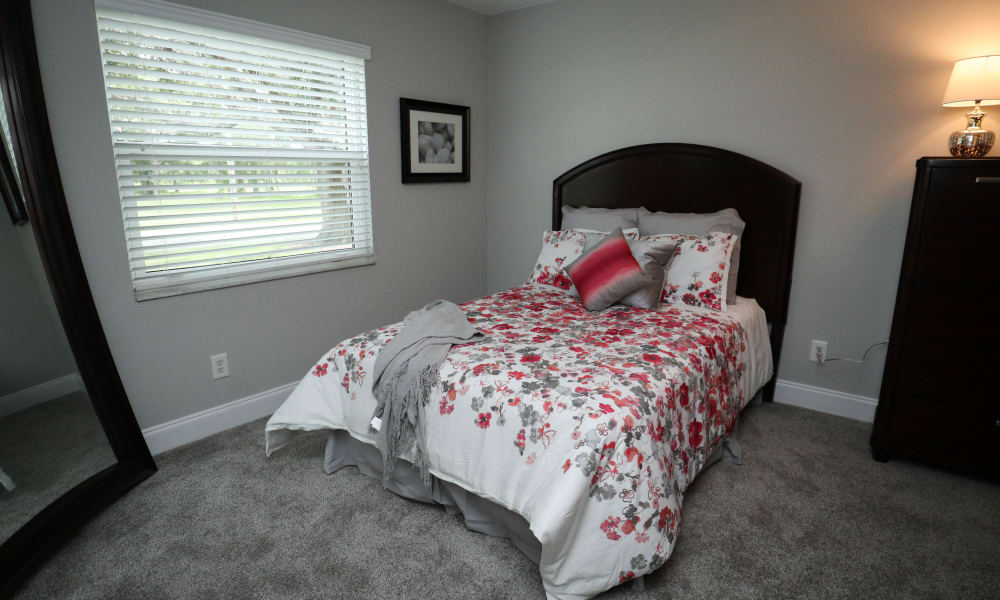 Renovated large bedrooms at Ridgeview Apartments in Seminole, Florida