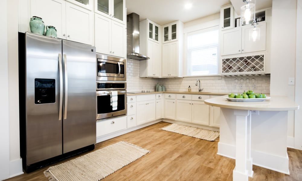 Bright open kitchen at Solstice Signature Apartment Homes in Orlando