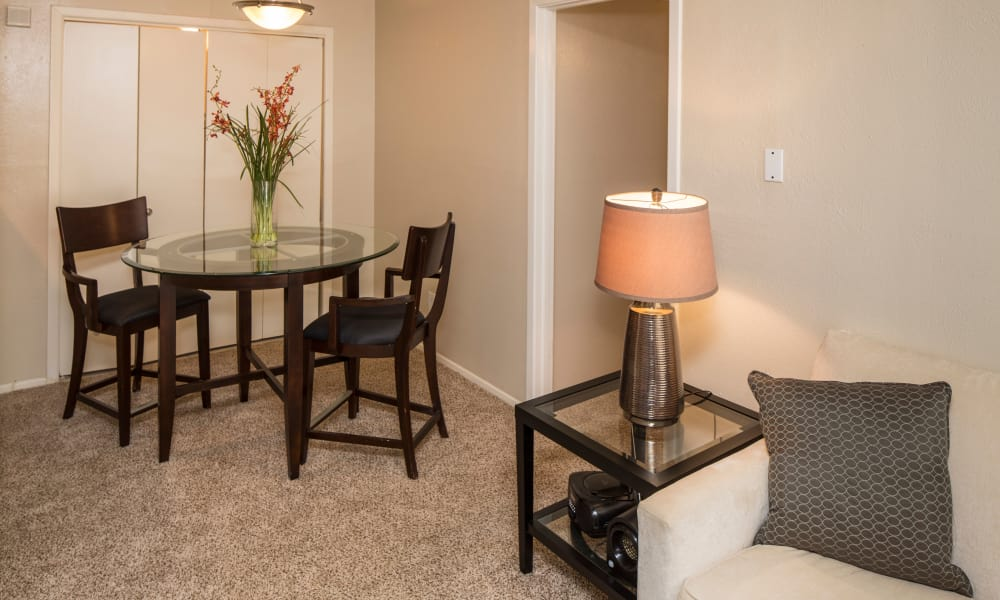 Ridgewood Preserve offers a dining room in Arlington, TX