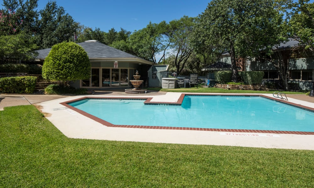Ridgewood Preserve offers a swimming pool in Arlington, TX