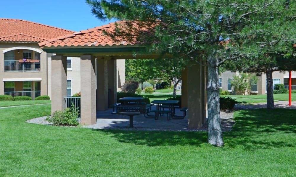 Gazebo at La Ventana Apartment Homes