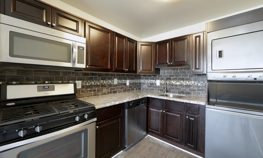 Seneca Bay Apartment Homes offers a fully equipped kitchen in Middle River, MD