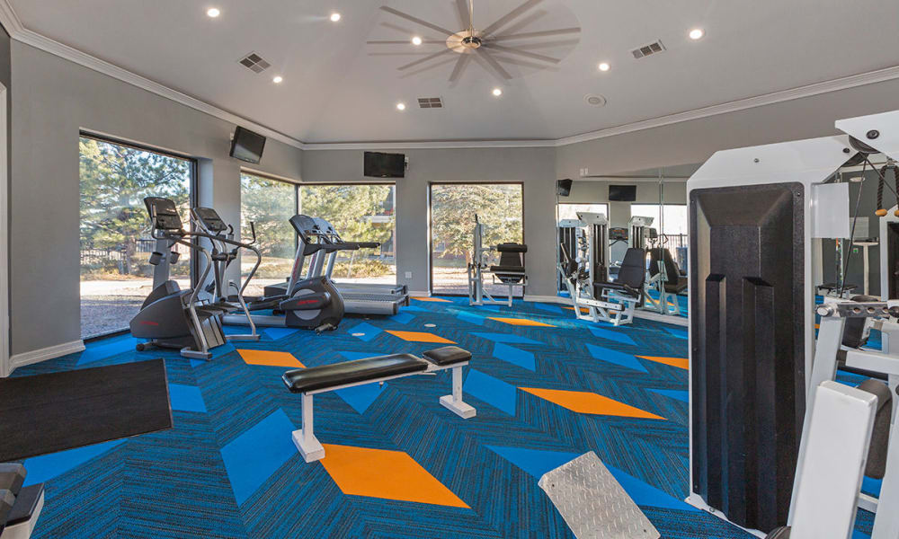 Stay healthy in the Retreat at Cheyenne Mountain Apartments fitness center
