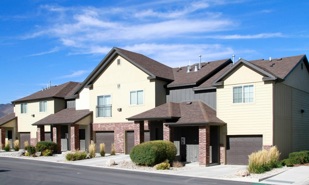 Wilshire Place Apartments offers luxury apartments for rent in West Jordan