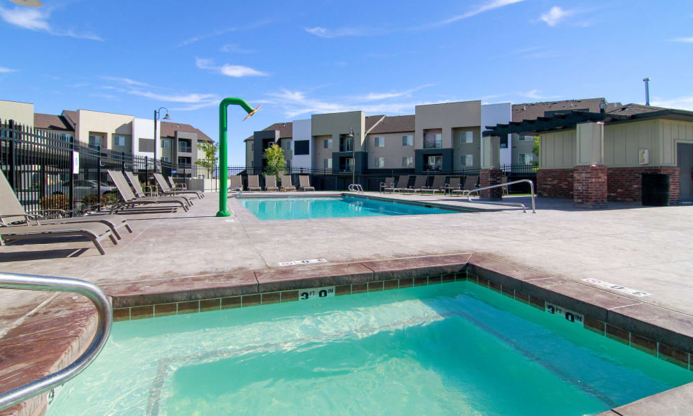 Swimming pools at Wilshire Place Apartments