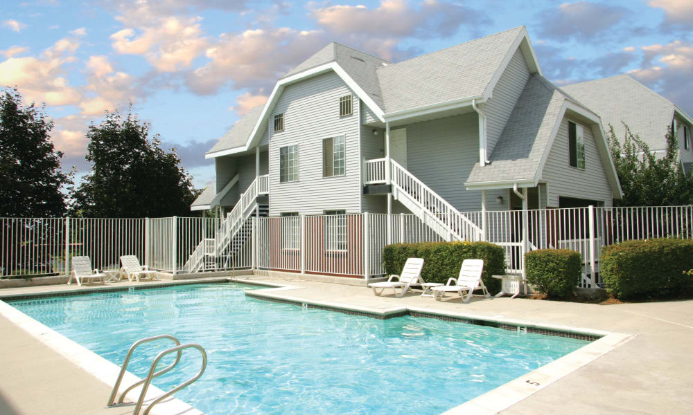 Swimming pool at Windgate Apartments