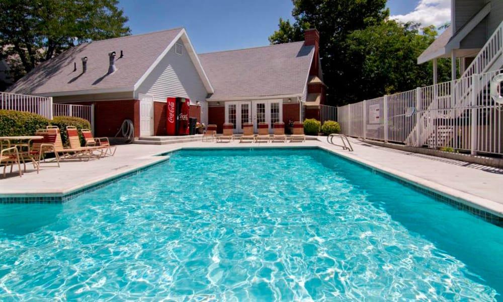 Windgate Apartments swimming pool in Bountiful, Utah