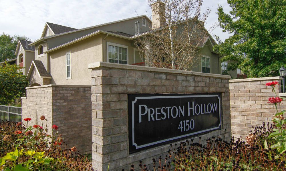 Welcome to Preston Hollow Apartments in Murray, Utah