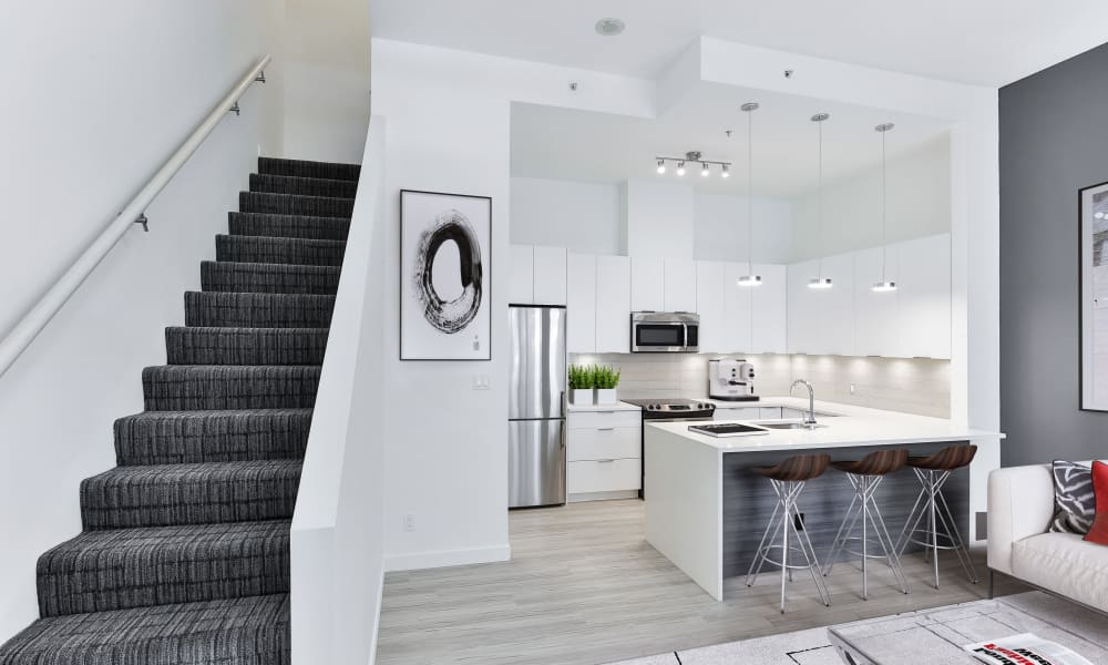 Modern kitchen at Yaletown 939 in Vancouver, British Columbia