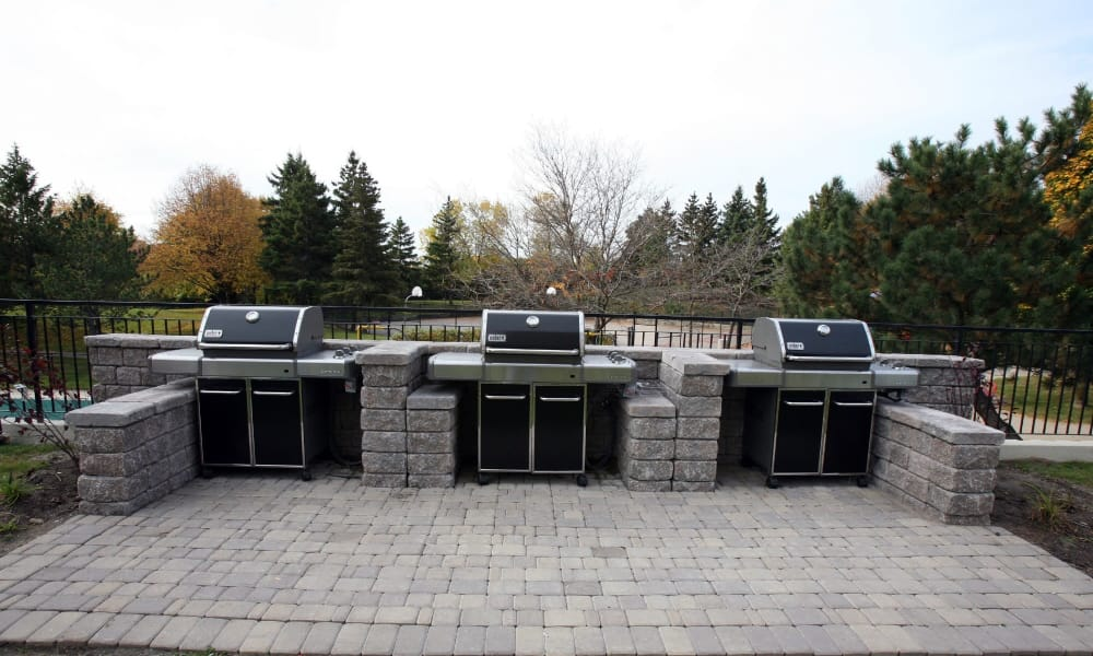 8 Silver Maple Court offers a beautiful bbq area in Brampton, ON