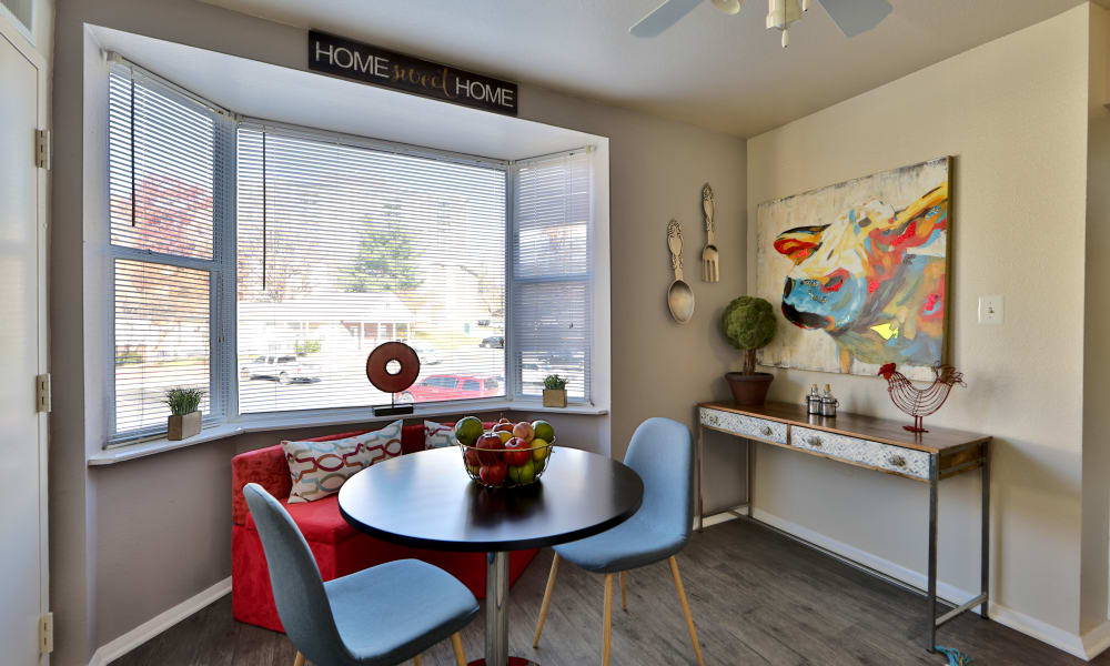 Dining area at Avery Park Apartment Homes