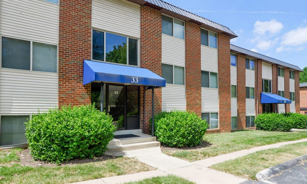 Exterior view of the apartment buildings at Taylor Park Apartment Homes