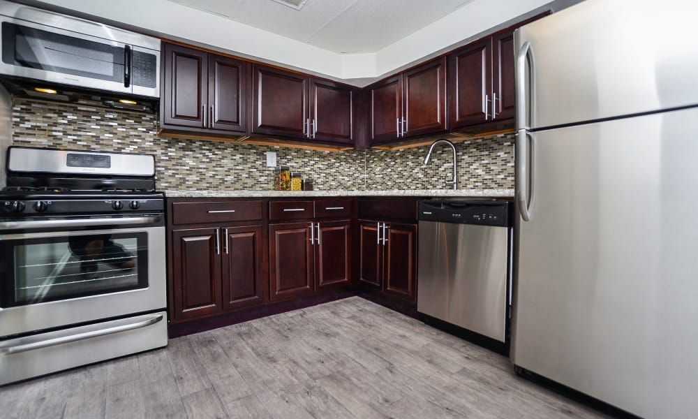 Well equipped kitchen at The Village of Chartleytowne Apartment & Townhomes