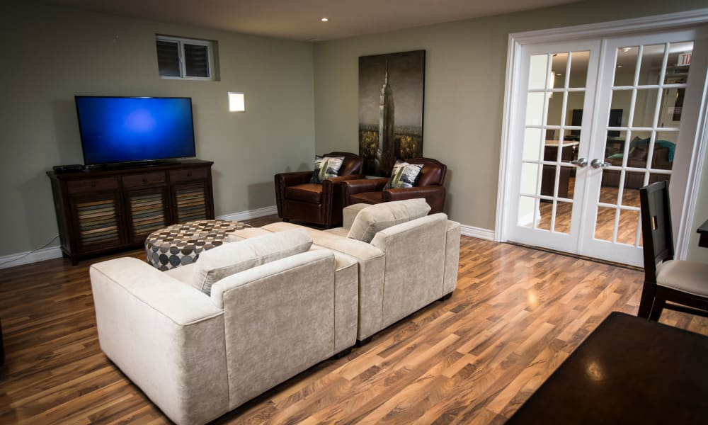 Bayview Mews offers a living room with hardwood floors in North York, Ontario