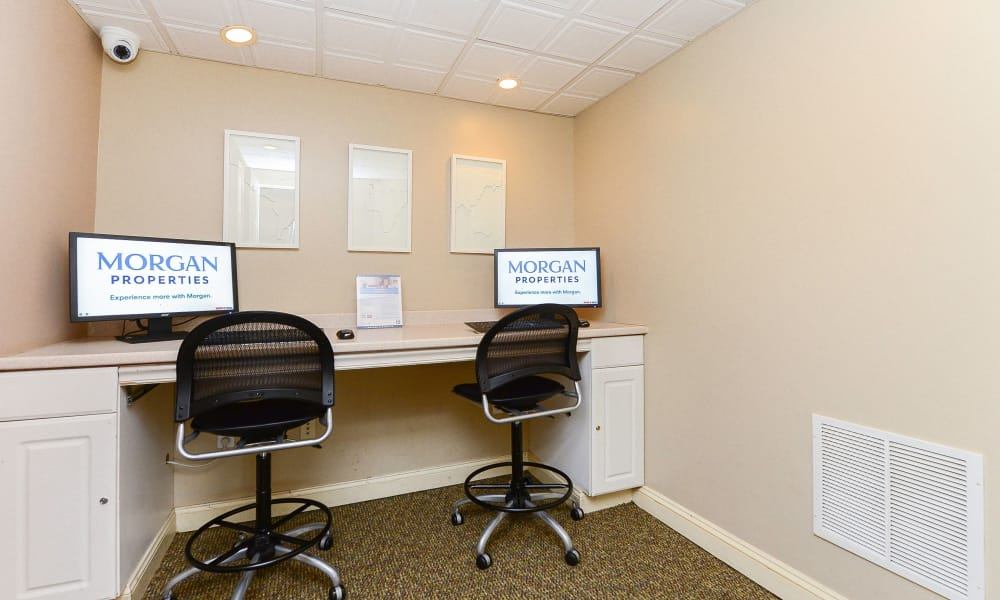 Place One Apartment Homes offers a luxury business center in Plymouth Meeting, Pennsylvania
