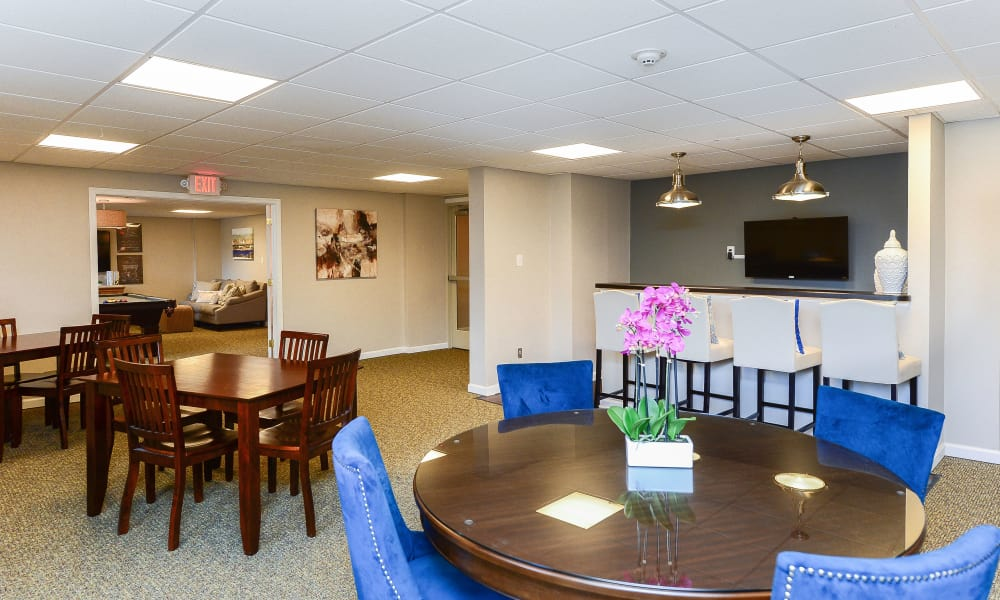 Dining place at Place One Apartment Homes in Plymouth Meeting, Pennsylvania