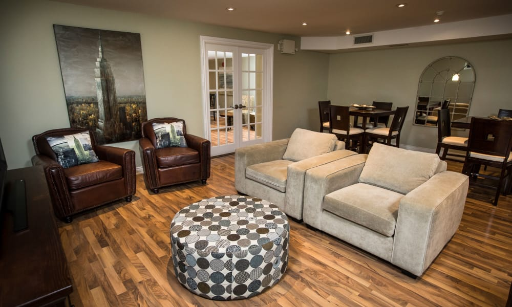 Living room with hardwood floors at Bayview Mews in North York, Ontario