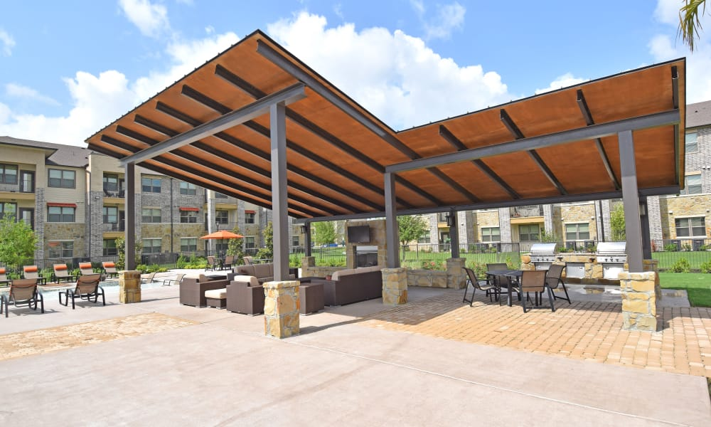 Covered outdoor seating area at Radius at Shadow Creek Ranch in Pearland