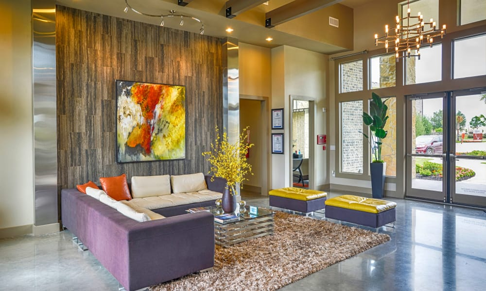 Communal lounge area at Radius at Shadow Creek Ranch in Pearland