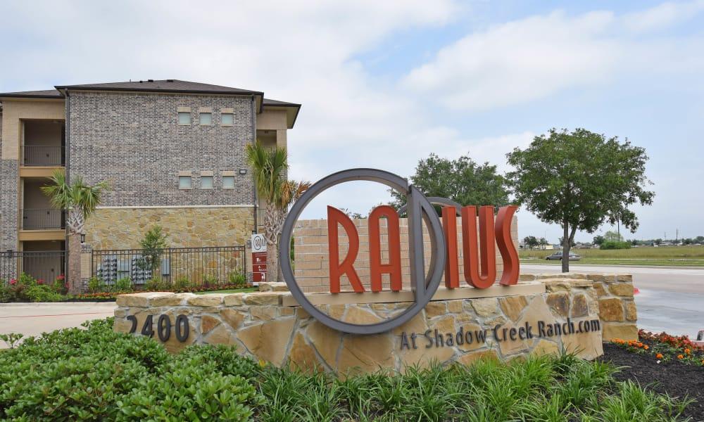 Front Sign At Radius at Shadow Creek Ranch In Pearland Ktjmbw