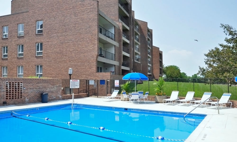 Large pool deck at Regency Lakeside Apartment Homes