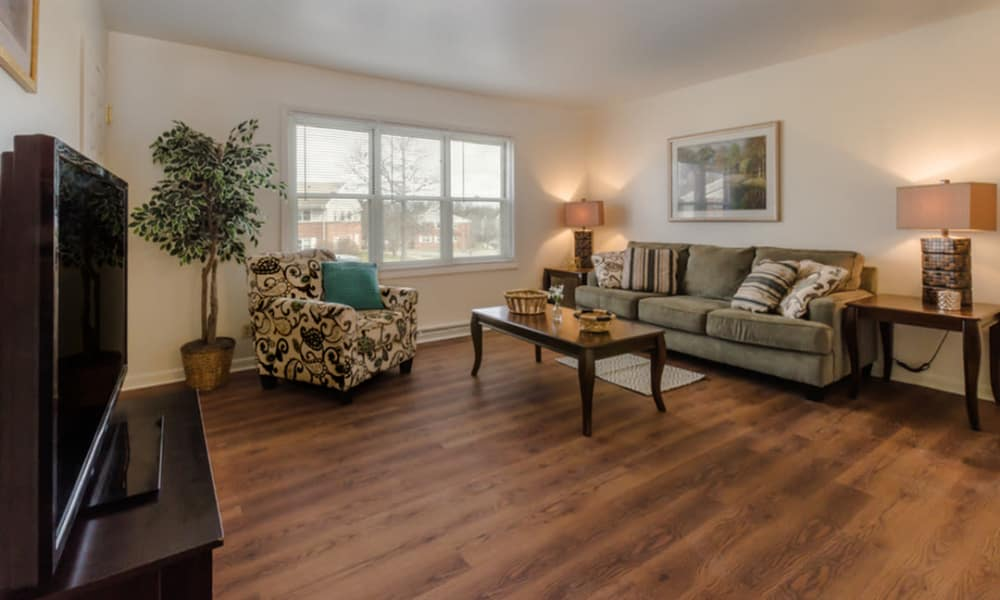 Spacious living room at Rochester Highlands